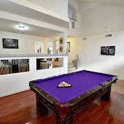 Nv3736 · Pool, Spa, Game Room, Putting Green, Theater Room!