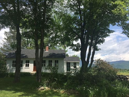 Great Place to stay Hikers Gem in The White Mountains near Chatham