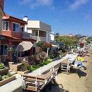 Balboa Island Large Waterfront Home W/roof Patio, Private Boat Dock, and Kayaks