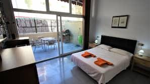 Ropa de cama de alta calidad, caja fuerte, cortinas opacas y wifi gratis