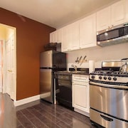Upper East Side: Lovely 2 Bedroom