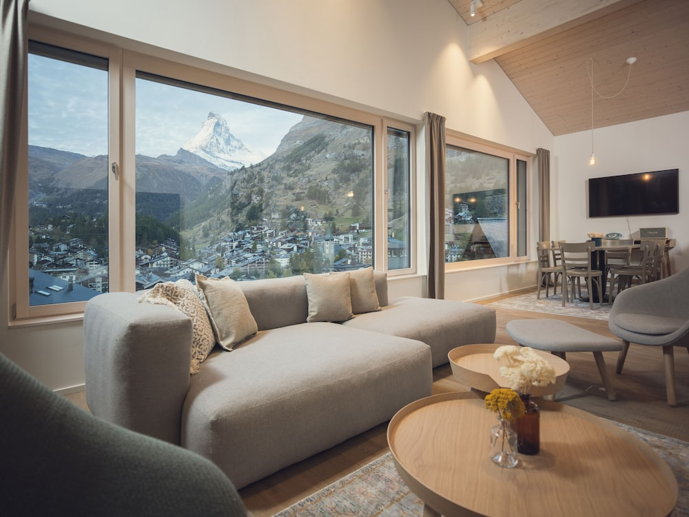 Room, OVERLOOK Lodge by CERVO Zermatt