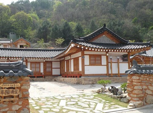 Danyang Hanok Happiness Pension