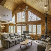 Waterville Estates Log Home Getaway For The Whole Family