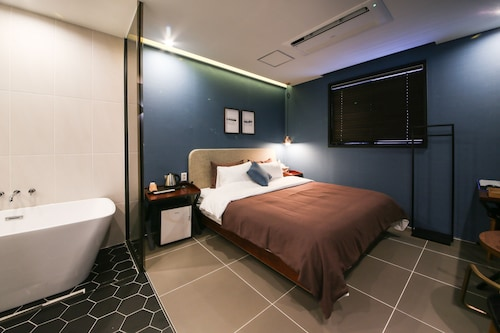 Brown Dot Hotel Masan