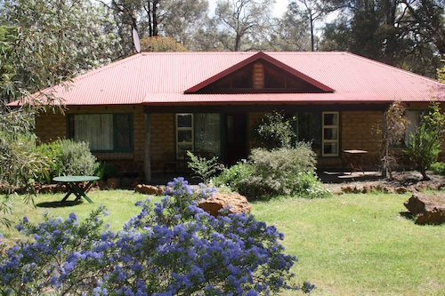 Porongurup Village Inn Cottages