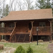 Hh32 Streamfront Log Cabin located in Hickory Hills by RedAwning