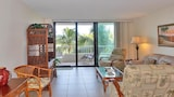 Seaview Condo 440 / 27969 by RedAwning - Marco Island Hotels