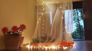 遮光窗帘、免费 WiFi