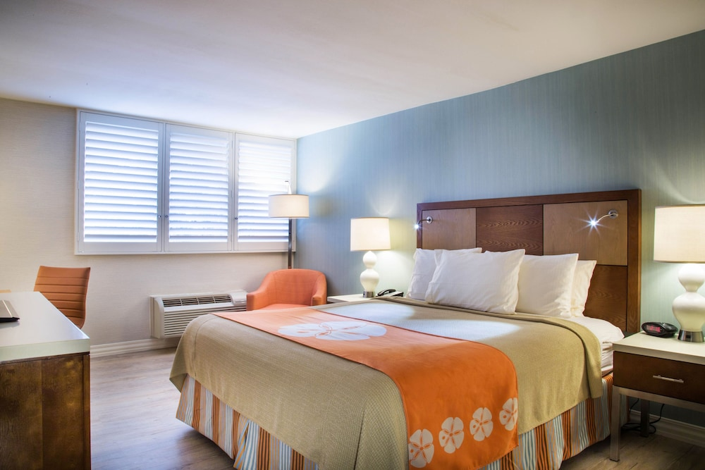 Gateway Hotel Santa Monica: 2018 Room Prices from $214, Deals ...