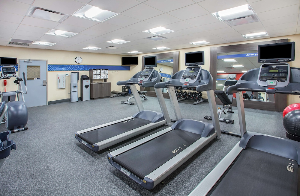 Fitness Facility, Hampton Inn Vincennes