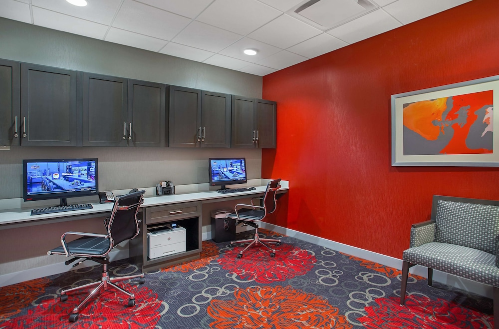 Business Center, Hampton Inn Vincennes