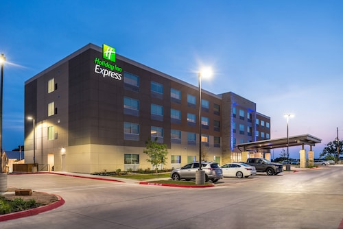 Check Expedia for Availability of Holiday Inn Express Early
