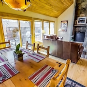 Recently Renovated 3 Bedroom Mountain Home Minutes From Vail Village