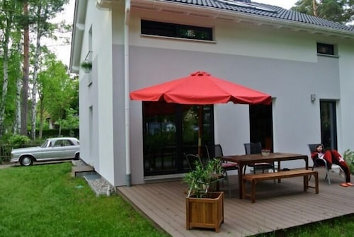 Modern Holiday Home in the Berlin Countryside 100 m to Wandlitz and Liepnitzsee