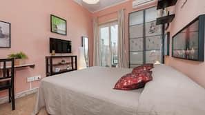 Premium bedding, down duvets, desk, iron/ironing board