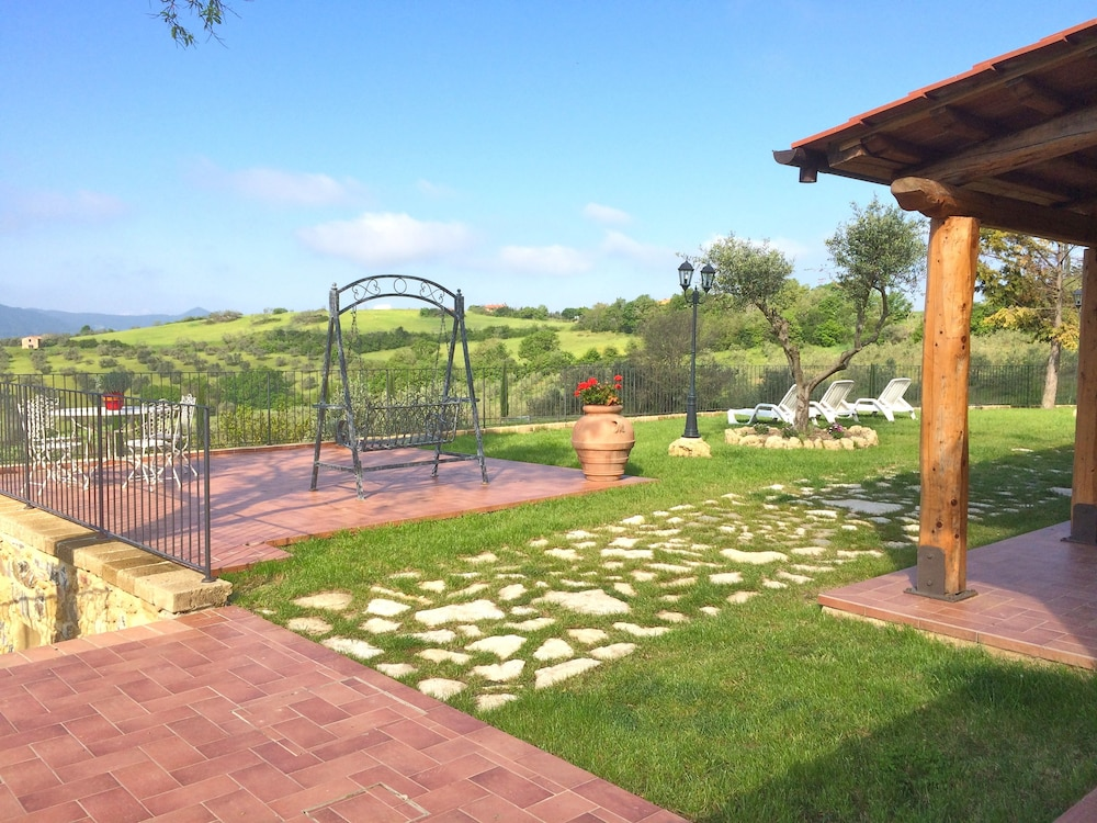 Agriturismo San Tommaso in Pomarance | Hotel Rates & Reviews