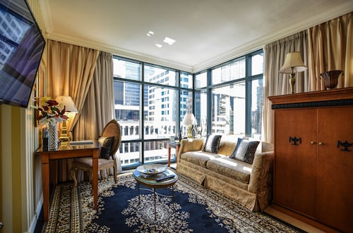 Check Expedia for Availability of Boutique Suites Vancouver