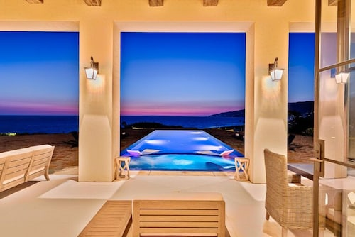 Malibu Beach Luxury Estate Once In A Lifetime Property No Detail Overlooked
