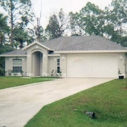 Specials- ASK Me!!!!gorgeous 3 Bedroom Home in Palm Bay- Close to Orlando