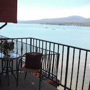 Lakefront Condo, 2 Bed/1.5 Bath- Near Northstar - Ski Lease Available!