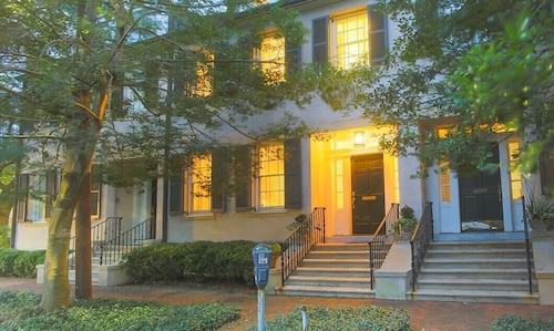 Great Place to stay Stay With Lucky Savannah: Luxury 3-story Townhome on Historic Tattnall Street near Savannah