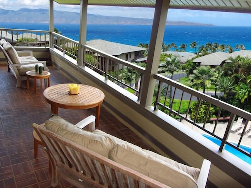 Kapalua Ridge Villa Panoramic Ocean Views!
