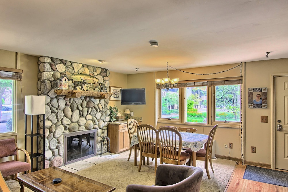 Private Kitchen, Recently Remodeled Condo - Just Behind Boyneland Lift - Walk to Skiing