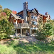 Plush 2BR Creekside Condo at Boyne Mountain-slope Side With Private Hot Tub!!
