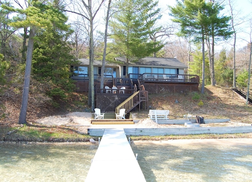 Glen Lake Cottage Near Downtown Arbor With Fantastic Views