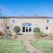 Luxury 5 Bedroom Converted Barn
