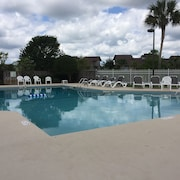 Heron Marsh Unit 86 In Litchfield By The Sea Close To Beach Pool Access