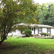 House on Appalachian Trail, Walking Distance From NYC Trains. 3bd/1ba, 3 Acres