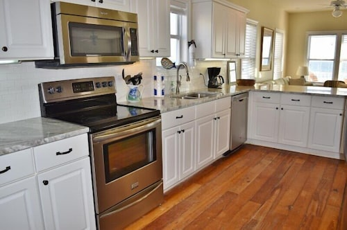 Lagniappe II   Beachfront 5 BD Family Home Beautiful Kitchen Update!: 2018  Room Prices , Deals U0026 Reviews | Expedia
