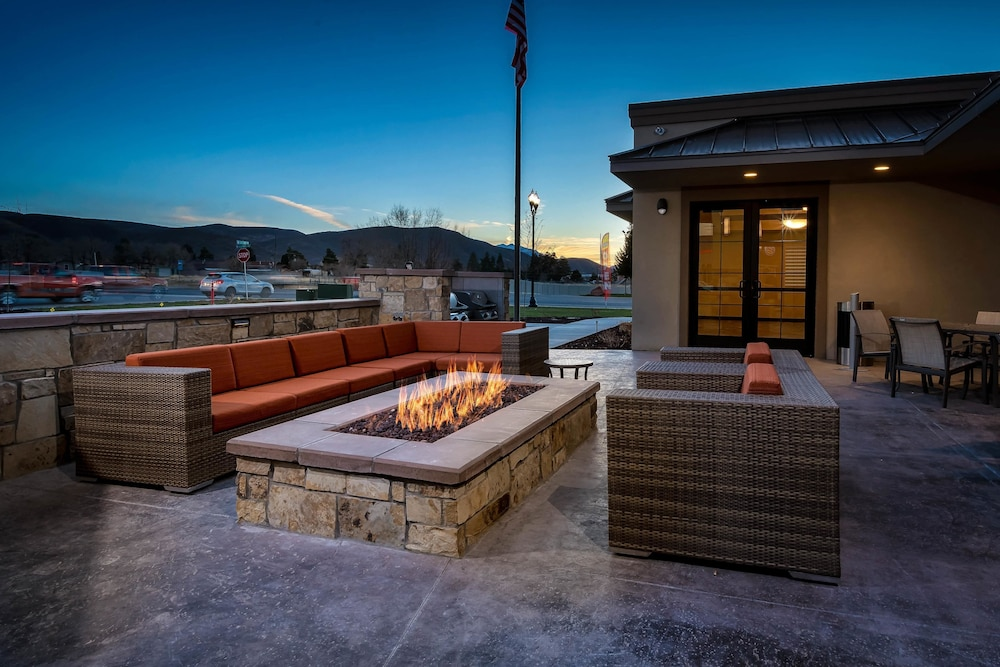 BBQ/Picnic Area, Best Western Plus Heber Valley Hotel
