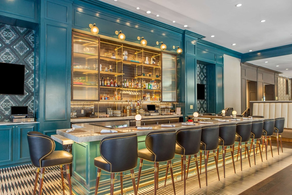 Bar, Cambria Hotel Downtown Dallas