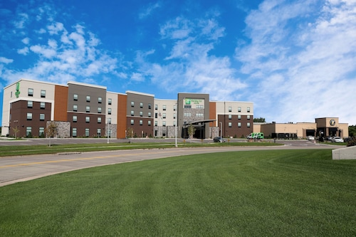 Great Place to stay Holiday Inn Hotel & Suites Sioux Falls - Airport near Sioux Falls