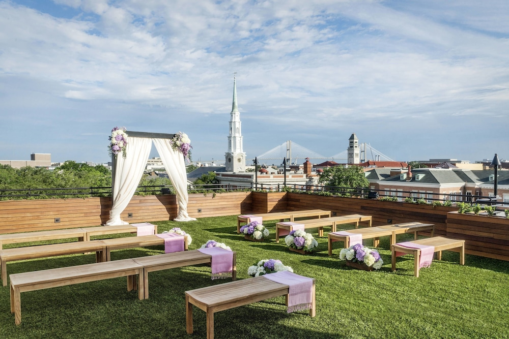 Outdoor Wedding Area, Perry Lane Hotel, A Luxury Collection Hotel, Savannah