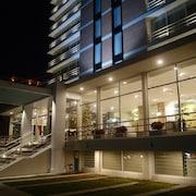 Fachada del alojamiento - Noche