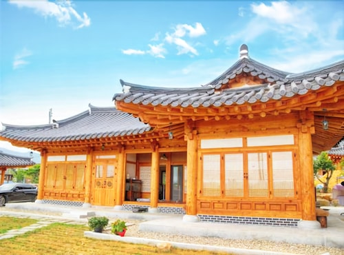 Suncheon Moonlight Love Hanok Pension