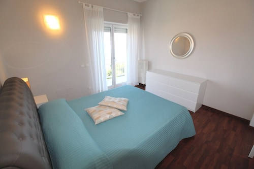 Beautiful Apartment in Imperia Porto Maurizio, Best Panoramic Area of the City