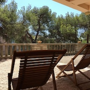 1 Room Studio, Cassis, Comfortable, Near Beaches and Hiking Creeks,