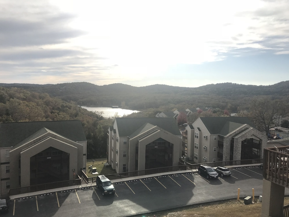 Exterior, Street level condo next to Table Rock Lake and Silver Dollar City. Indoor pool!
