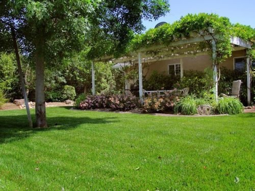 Great Place to stay Cottages On Armstrong - The Meritage Cottage near Lodi