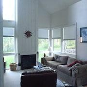 Comfortable, Convenient, Spacious Three Kings Unit - Walk To Lifts, Ski In