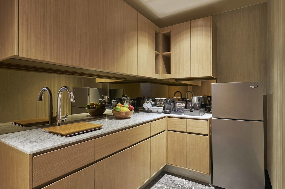 Private Kitchenette, Hilton Manila