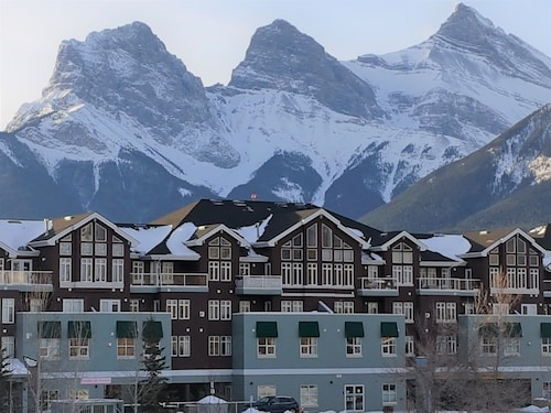 Hotels Near Canmore Golf And Curling Club