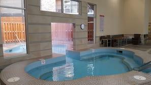 Bain à remous intérieur