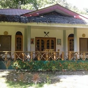 Chelle's Guest House and Backpackers - Hostel