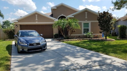 Luxury Tampa Orlando Area Home: Disney, Bush Gardens, Lego Land, Amalie,beaches!